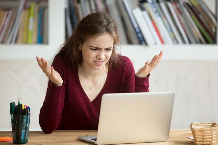 Co może spowodować usterki w laptopie?
